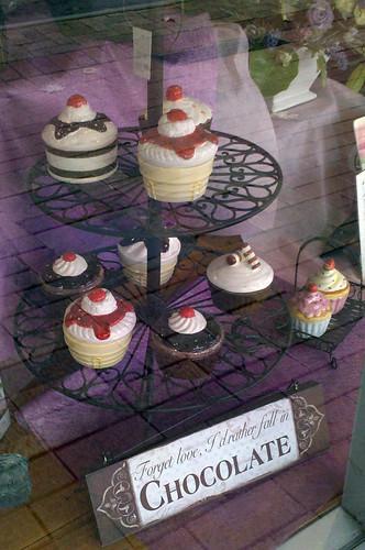 porcelain cupcakesl