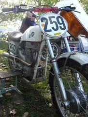 20eme Norman Scramble Hedlund 500 1964 (barbeenzinc) Tags: norman motorbike moto motorcycle motocross scramble ancienne hedlund motorrad beauval normanscramble normanscramble2010 beauvalencaux2010 20emenormanscramble