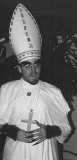 benjamin as Pope Talbot - 1998 b