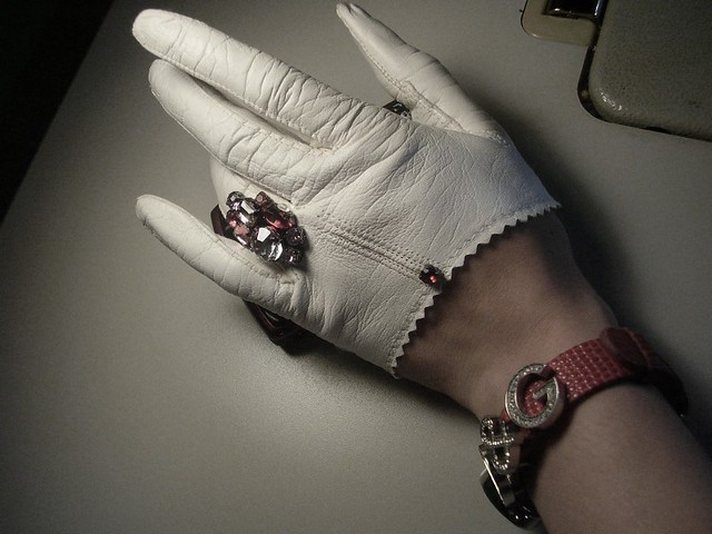 ETSY White leather gloves by OblivionClothing