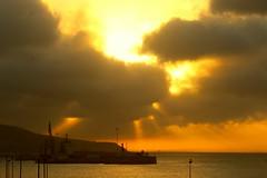 2017-07-03 23.15.52 (anyera2015) Tags: ceuta canon canon70d atardecer nubes siluetas nublado sol puerto