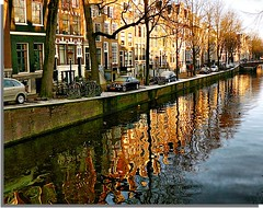 Herengracht - Amsterdam (jackfre2) Tags: bridge trees houses cars netherlands amsterdam gardens reflections boats canal facades bicycles herengracht mansions patrician peterthegreat coachhouses artofimages updatecollection bestcapturesaoi housereflections lonelyswimmingduck