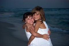 Sisters 4 ever (Gary Daves) Tags: beach sisters hugs
