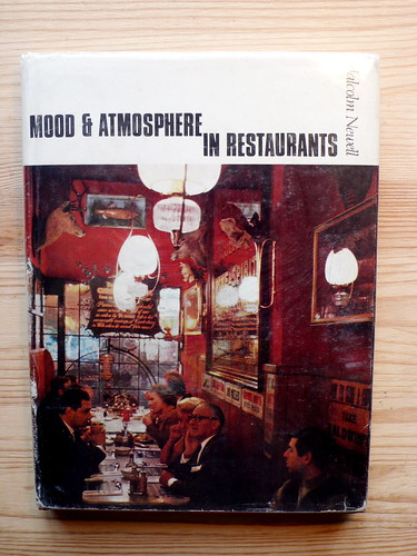 mood and atmosphere in restaurants