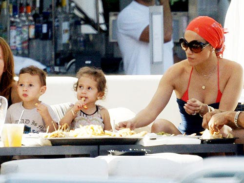 jennifer lopez twins max and emme. Jennifer Lopez and Her