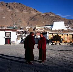(((((JP))))) Tags: 120 6x6 tlr rolleiflex zeiss fuji tibet planar 西藏 80mm rvp100 喇嘛 正片 28e 扎什倫布寺 中判 麗來