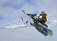 343N F (kira2011) Tags: lewis hills sleds