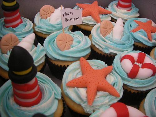 Warm Sunny Beaches. these sunny beach cupcakes