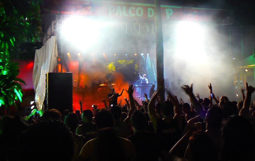 soteropoli.com fotos fotografia salvador bahia brasil verao carnaval trio eletrico axe 2010 by tunisio (31)
