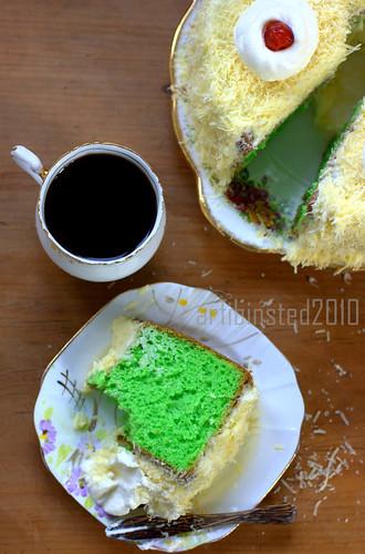 Pandan Chiffon Cake-3 by ab2010