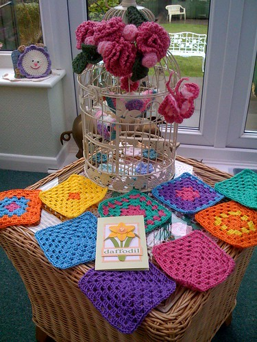 Rita from the UK sent me these lovely Granny Squares today. Thank you so much! Such gorgeous colours! If you would like to help please visit suesfavouritethings.blogspot.com