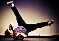[フリー画像] [人物写真] [男性ポートレイト] [外国人男性] [踊り/ダンス] [ブレイクダンス]      [フリー素材]