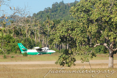 Seair LET-410 landing in El Nido airport