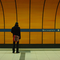 Waiting (It's Stefan) Tags: street blue light people orange lines linhas germany underground walking subway munich bavaria one waiting publictransportation metro geometry stage sub  tube grain line step stop ubahn mrt  gomtrie lignes archtecture  lineas geometria geometrie   lneas arrt linien          geomerie    stefanhoechst stefanhchst stefanhoechst
