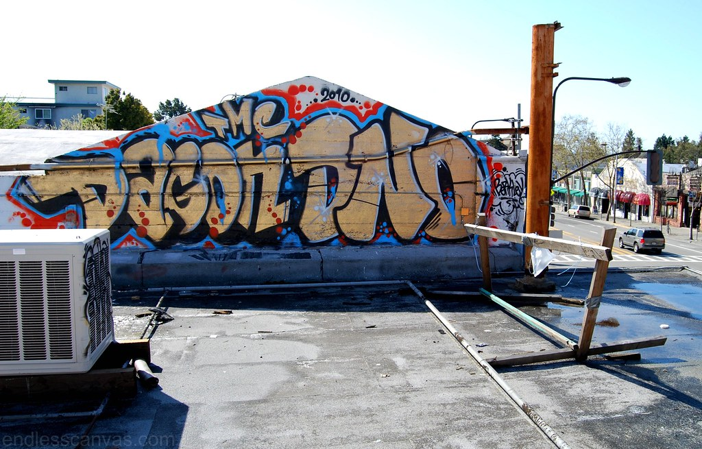 Dagon DNO TMC Rooftop Graffiti Bomb in Berkeley, California.