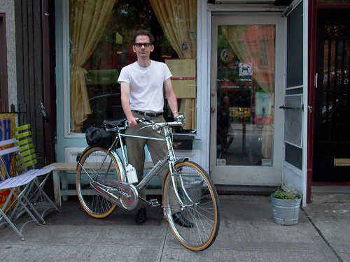 Tom Ward, 2009, with Raleigh DL-1 in Brooklyn, at Parco.