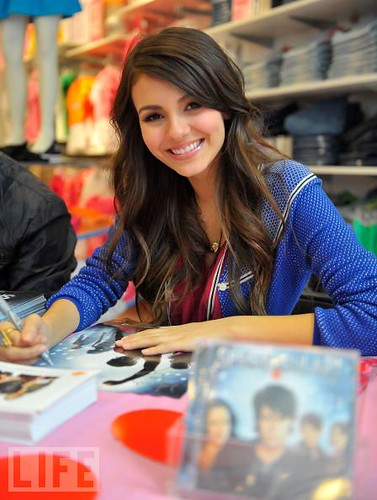 Victoria Justice Image by jake.auzzie, on Flickr