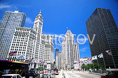 CHI008 (Hisham Ibrahim) Tags: world bridge urban usa chicago building tower ecology skyline america skyscraper river us office illinois midwest downtown cityscape michigan district united north transport bridges scene countries transportation infrastructure environment states wrigley avenue financial environmentalism connection tribune traffice ecosystem regions infrastructures