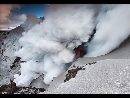 ash cloud volcano