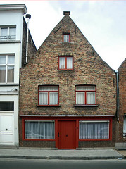 /\ House (Kombizz) Tags: windows red house colour building architecture facade belgium terrace brugge photograph bruges flemish gable brugges flanders terracedhouse happyhouse flemishstyle flemisharchitecture kayfrancis kombizz
