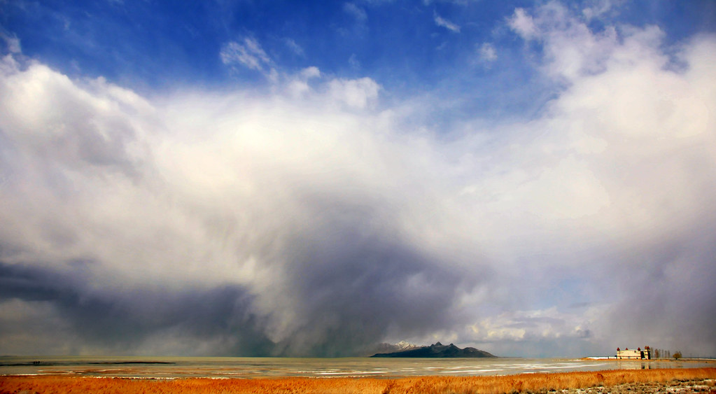 SAltaire and storm over antelope island