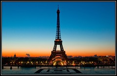 Paris, la Tour Eiffel en drapeau (Zed The Dragon) Tags: city morning bridge light sunset sky sun paris france building skyline architecture night skyscraper sunrise pose french landscape effects iso100 europe cityscape view minolta sony capital sigma eiffel best fave most faves 100 24mm f80 alpha rise nuit postproduction sal francais lightroom fil historique effets storia longue parisien 2470f28 poselongue 0sec a350 hpexif flickraward dslra350 alpha350 100commentgroup flickraward exdgmacro platinumpeaceaward flickraward5 mygearandmepremium zedthedragon 100coms fontenayexpozed