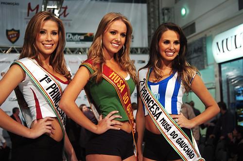 Patrícia, Sancler e Ingrid são as soberanas do futebol gaúcho em 2010. Crédito: Jean Pimentel, Especial