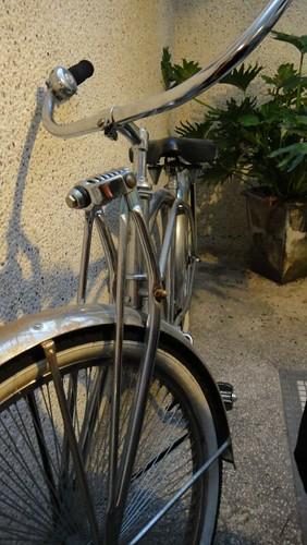 天景旁的腳踏車