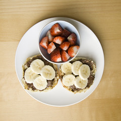 10.04.25 breakfast (dear_new_girl) Tags: morning food breakfast chocolate strawberries banana nutella englishmuffin djeuner