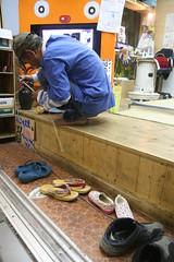 竹を削るのぼるさん ②