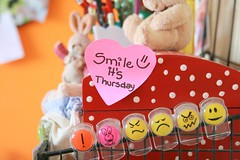 Never ever forget to smile [more inside] (Honey Pie!) Tags: smile postit polkadots bolinhas stuff ameliepoulain emoticon poulain amliepoulain smileitsthursday sorriaquintafeira