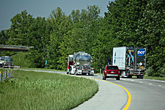 I-24 Ky. (myhotrod9) Tags: truck dot semi quest tanker trucking reefer 18wheeler tractortrailer bigrig class8 largecar