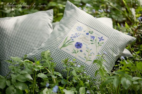 Blue Flowers Kazuko Aoki)