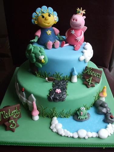 Fifi and Peppa Pig cake