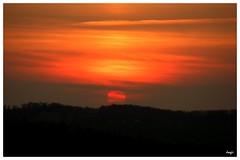 Coucher de soleil (jorgii) Tags: sunset sun france sol soleil puestadesol anochecer coucherdesoleil redandblack rougeetnoir gers rojoynegro adream unrve unsueo