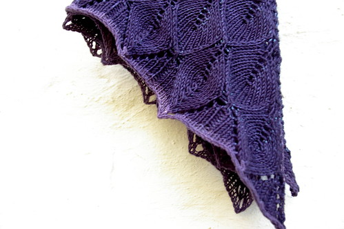 Springtime Bandit shawlette