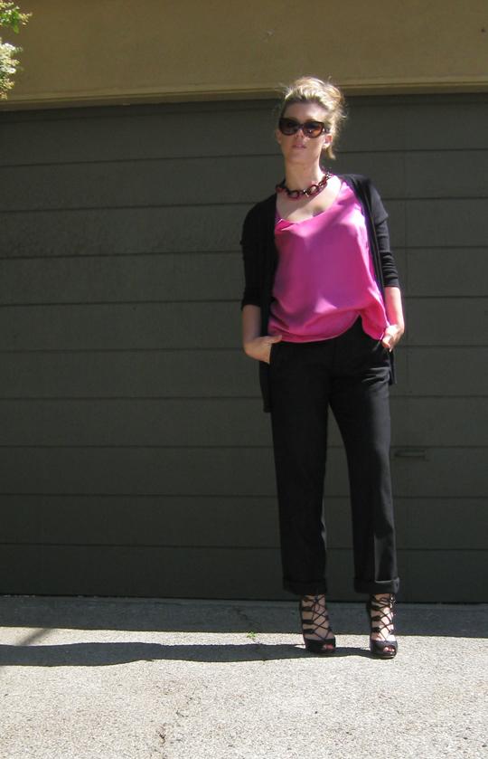 pink tank blouse+black cuffed pants+lace up heels -3