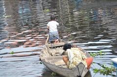 Tonle Sap family (Le Meridien Angkor) Tags: cambodia siemreap angkor tonlesap floatingvillages