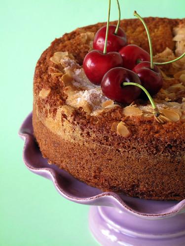 Torta alle ciliegie e alle mandorle [2]