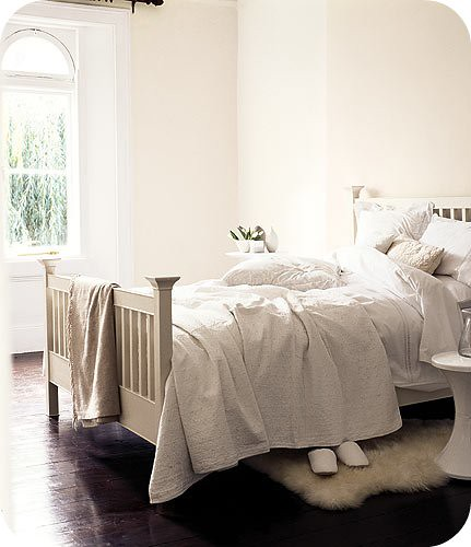 neutral- bedroom-gal-431x500