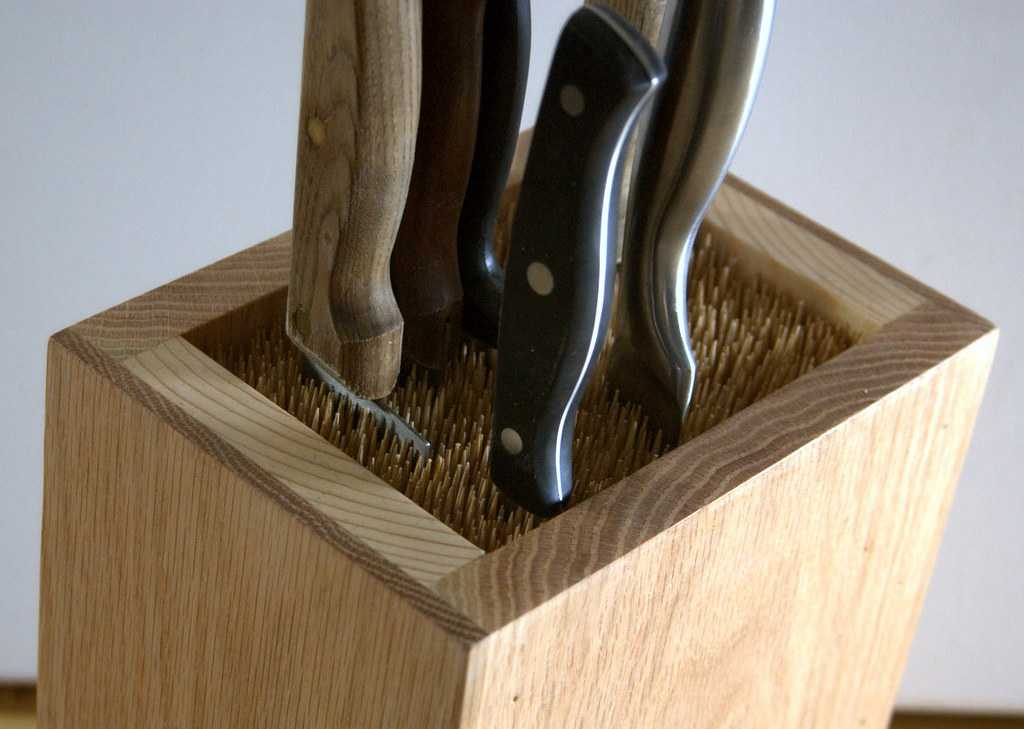 how to make a universal knife block