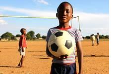 CARE in Sdafrika: Projekt Kick it  Choose Life (CARE Deutschland Luxemburg) Tags: football aids hiv kick soccer wm aid care sdafrika organisation tipp fusball hilfsorganisation torwandschiesen