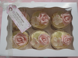 Cupcake gift box by Cotton and Crumbs