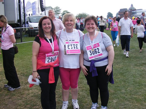 Nic, Mum and I post race.