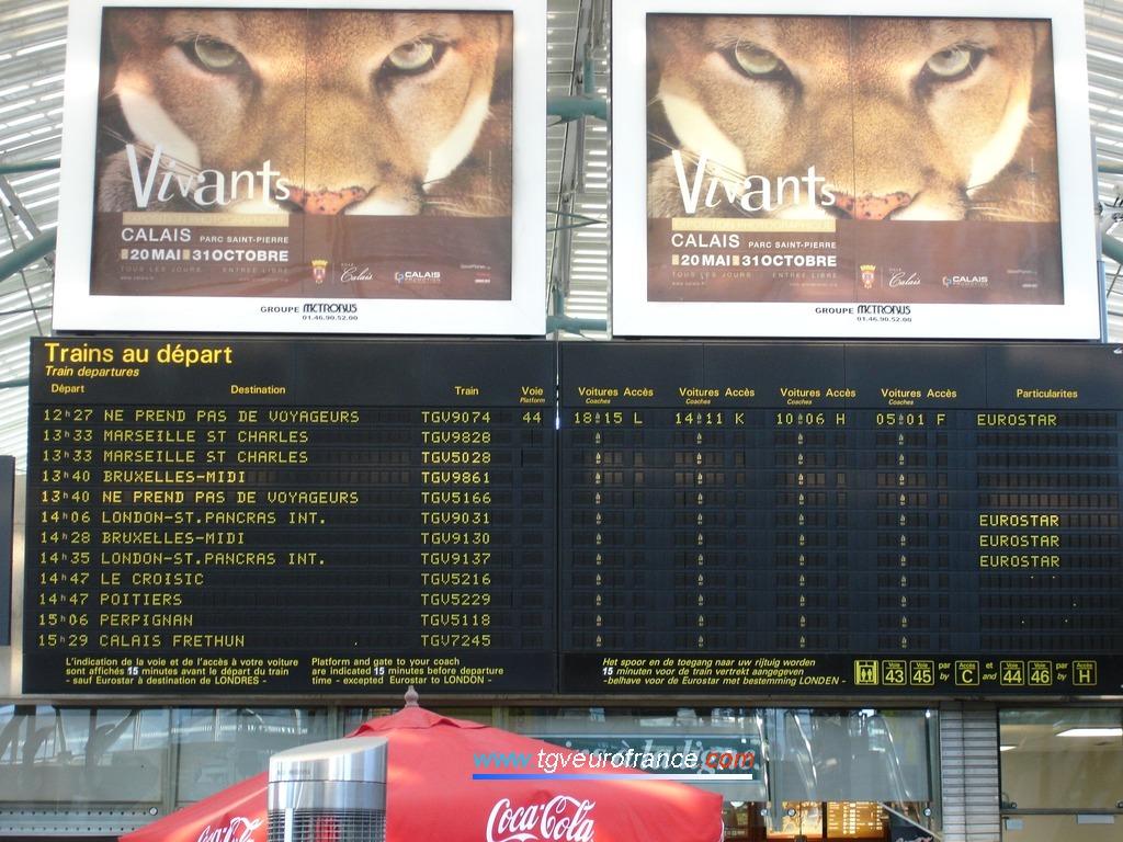 Tableau des horaires de départ des trains