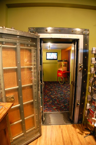 Door to Willy Wonka room