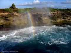 Indonesia-Bali / Pelangi dari Gelombang Menerjang