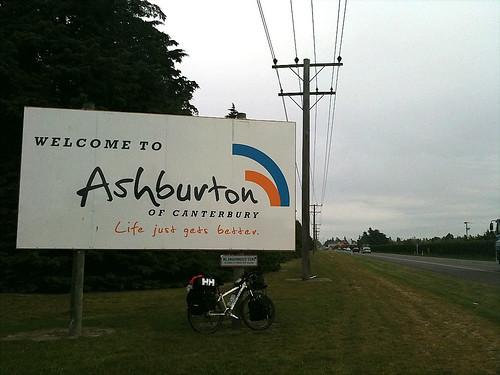 アッシュバートンの町にたどり着いた。