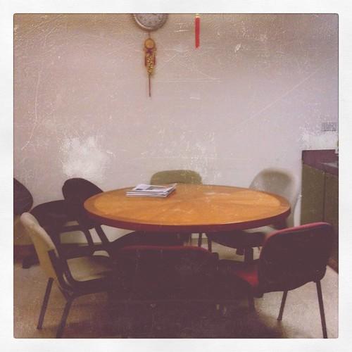 实验室休息室的桌子