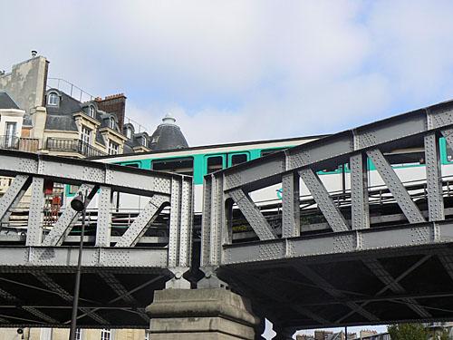 metro à Sèvre lecourbe.jpg